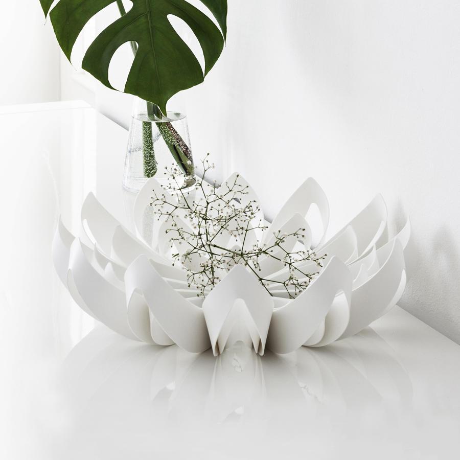 White petal shape fruit bowl
