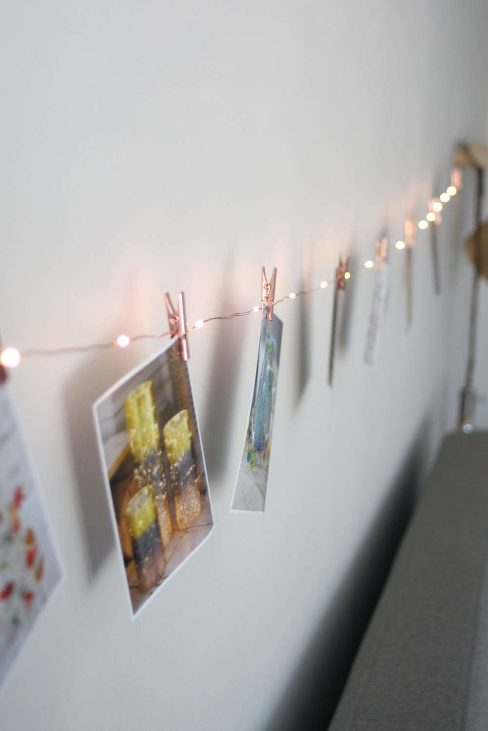 Picture/card light string with copper pegs