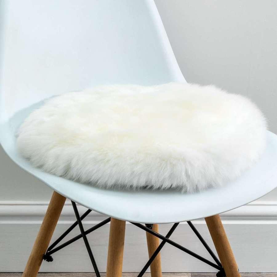 Natural round sheepskin chair pad